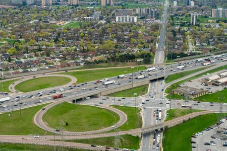 Roads and Highways of Toronto from above Фото со стока - 131795566