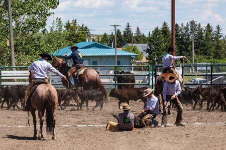 Juegos de vaqueros y rodeo en Pincher Creek, Canadá