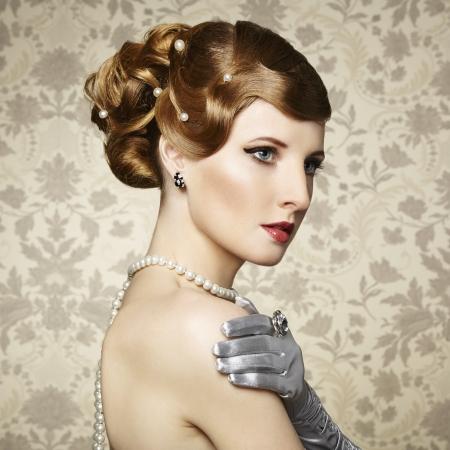 Retro portrait of  beautiful woman. Vintage style. Fashion photo Stock Photo - 18598075