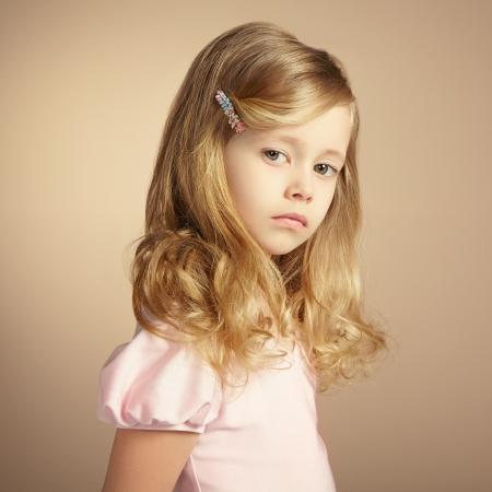 prinzessin: Portrait der hübschen kleinen Mädchen. Mode-Foto