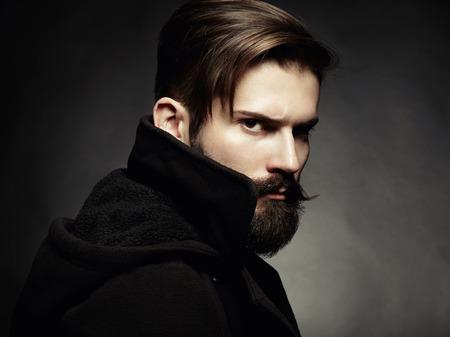 ひげはクローズ アップのハンサムな男の肖像 写真素材