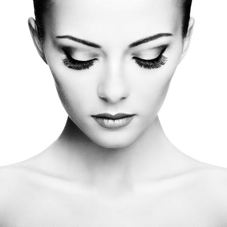 nude young woman: Beautiful woman face. Perfect makeup. Beauty fashion
