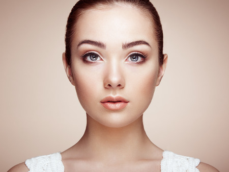 beautiful model: Beautiful woman face. Perfect makeup. Beauty fashion. Eyelashes. Cosmetic Eyeshadow