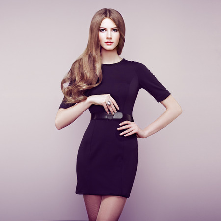 elegance fashion girls look sensuality young: Fashion portrait of elegant woman with magnificent hair. Blonde girl. Perfect make-up
