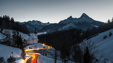 Popular travel destination, church of pilgrimage Maria Gern and the Watzmann at dusk, Berchtesgaden, Bavaria, Germany Archivio Fotografico