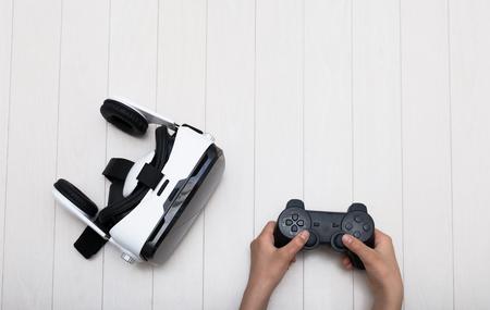 VR メガネとゲーム コント ローラー 写真素材