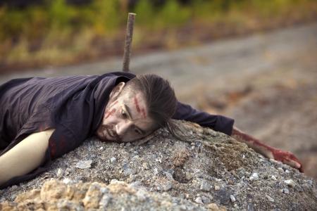 expresion corporal: tipo de muerte en la roca