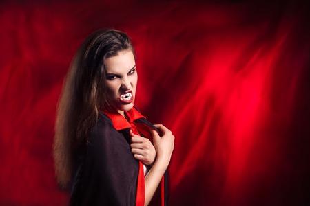 vampira sexy: Chica sexy vampiro Foto de archivo