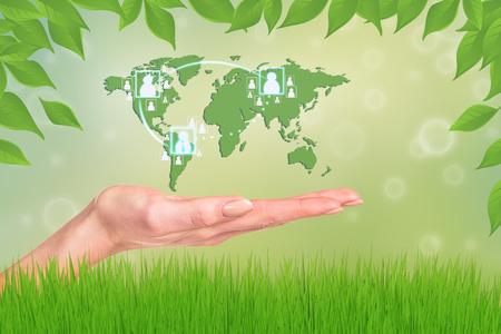 el mundo en tus manos: Mundo en sus manos. Extracto de la hierba verde