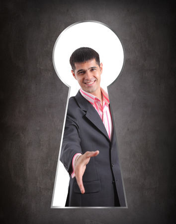 keek: Someone peeking through the keyhole of the