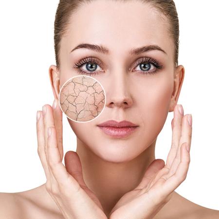 Il cerchio dello zoom mostra la pelle del viso prima di inumidirla.