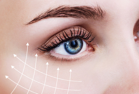 Graphic lines showing facial lifting effect on skin. Reklamní fotografie - 98760471