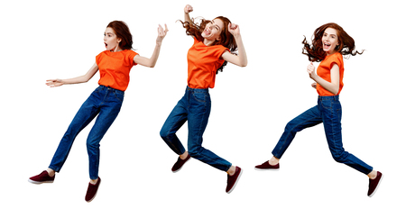Collage de mujer jengibre feliz en camisa y jeans saltando. Foto de archivo
