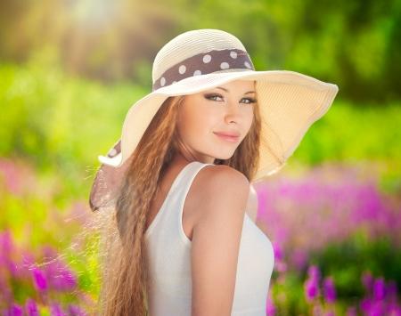 attractive gorgeous: Summer girl portrait