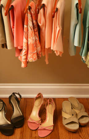 fraue: Frühjahr Kleiderschrank