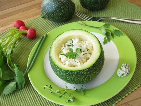 Zucchini ball stuffed with rice Stockfoto
