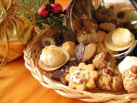 Homemade traditional Christmas cookies Stockfoto - 9978762