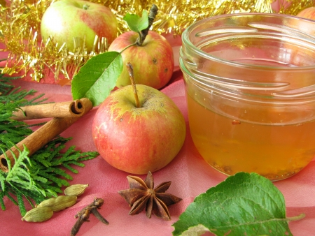 christmassy: Apple jelly with christmassy spices