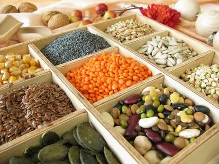 Vak met kok verzamelen en bakken ingrediënten Stockfoto