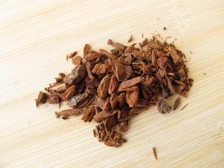 Red Cinchona bark, Cinchonae cortex