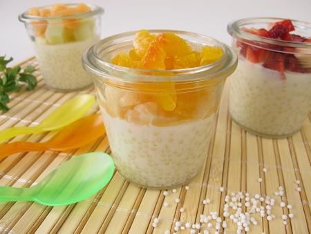 Tapioca pudding with fresh fruits Archivio Fotografico