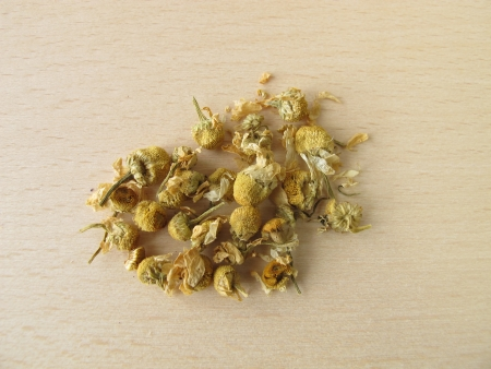 Chamomilla recutitia flowers, Matricariae flos photo