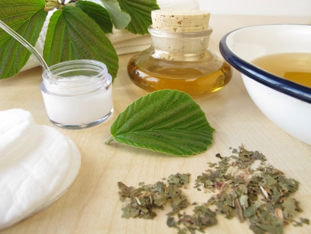 tincture: Bath essence, cream and tincture with hamamelis