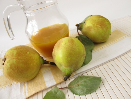 quinces: Quince syrup Stock Photo
