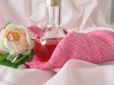 bodywash: Homemade shower gel with rose flowers