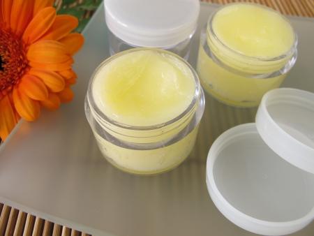 Lip balm with honey Standard-Bild