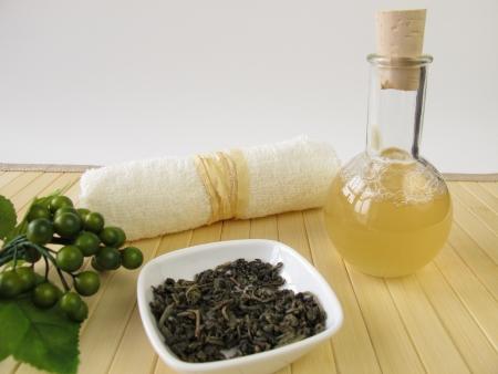 gel douche: Gel douche fait maison avec du th� vert et le parfum de citron Banque d'images