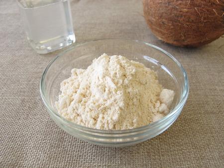 coconut oil: Farina di cocco e olio di cocco