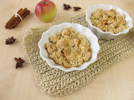 apple crumble: Apple crumble with cinnamon and star anise