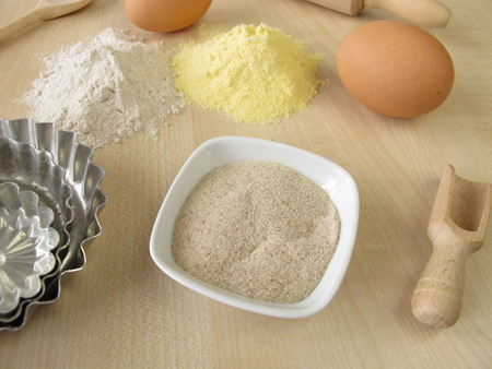 maize flour: Ground psyllium seed husks, buckwheat and maize flour