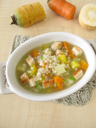 pearl barley: Vegetable soup with pearl barley and chicken