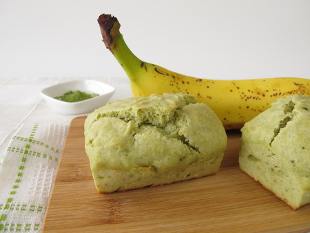 banana bread: Matcha banana bread Stock Photo