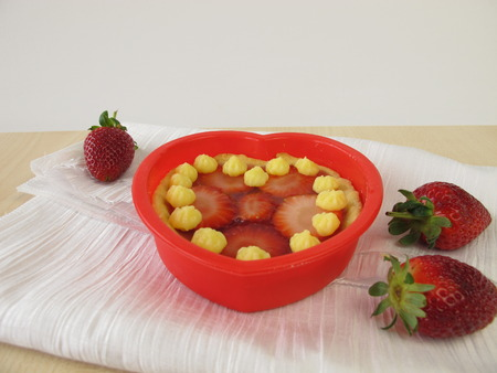 blancmange: Tartelet heart with strawberries