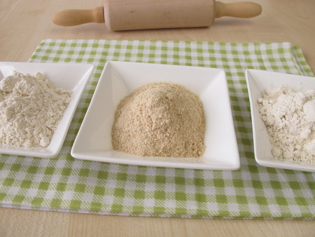 extract: Flour and sourdough extract
