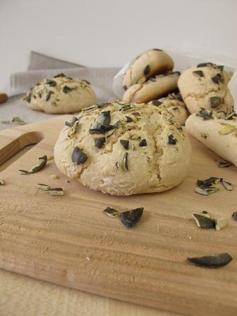 gressins: Rolls et gressins avec graines de citrouille