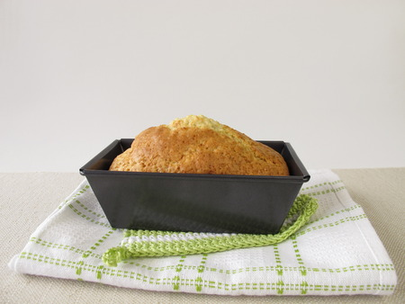 tin: Loaf cake in baking tin Stock Photo