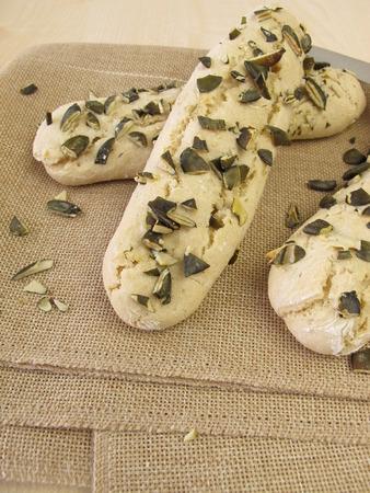 gressins: Gressins avec graines de citrouille Banque d'images