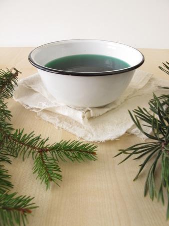 bath additive: Bath essence with spruce and pine needles
