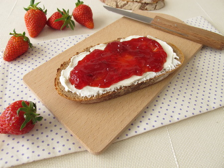 strawberry jam: Bread with cream cheese and strawberry jam