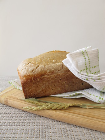 pain blanc: White bread with spelt flour from bread making machine