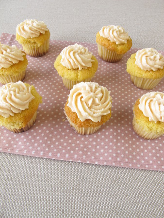 topping: Gluten free cupcakes with cream cheese topping