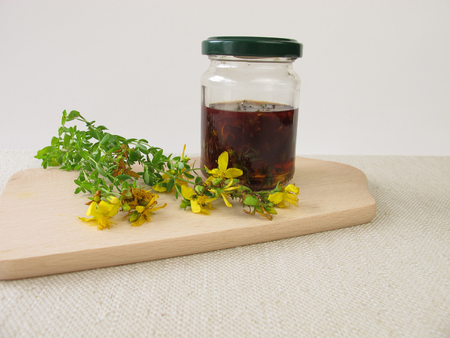 wort: Maceration from St. Johns wort flowers in olive oil
