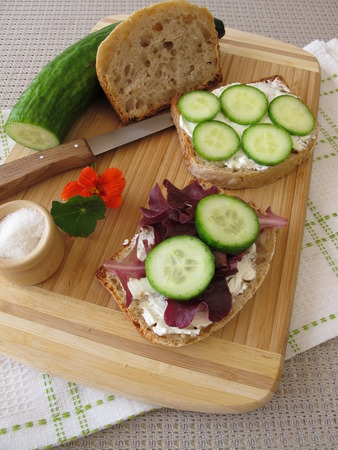 cream cheese: Bread with cream cheese, cucumber and lettuce