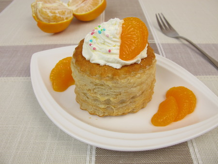 puff pastry: Puff pastry filled with mandarin orange and whipped cream