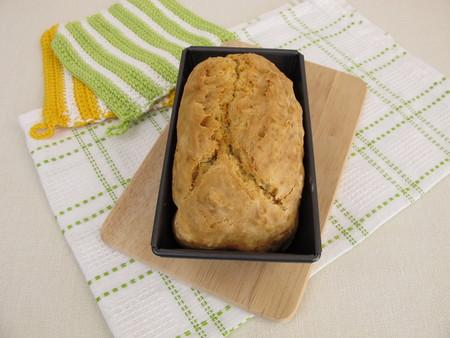 bread soda: Soda bread in baking tin