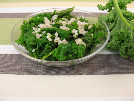 blanch: Kale salad with pearl barley